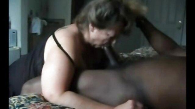 سکس بدون ثبت نام  سینه داستانهای سکسی دختر با دختر کلان می پردازد استاد خود را برای رابطه جنسی
