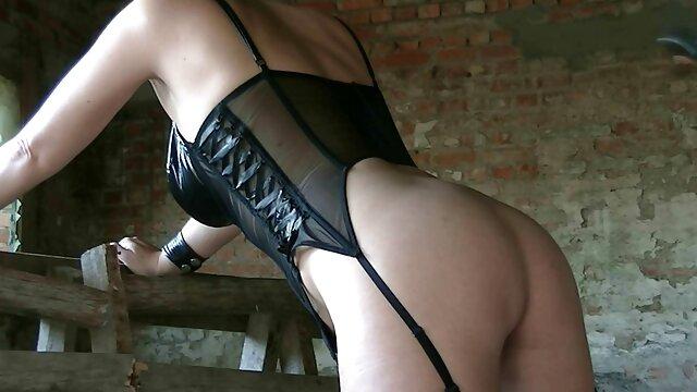 سکس بدون ثبت نام  Cleio کوسی دخترک ولنتاین لعنتی سرنگ