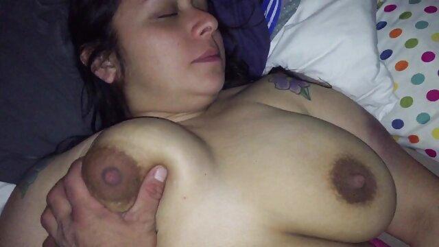 سکس بدون ثبت نام  مامان می آموزد سکسمادر دختر دختر
