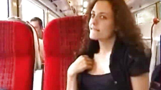 سکس بدون ثبت نام  کورتنی تیلور در سکس اول دختر حال تماشای