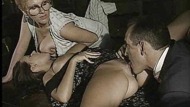 سکس بدون ثبت نام  - x-دختر درب بعدی فیلم سکسی ۱۴ ساله الکس کوچک است